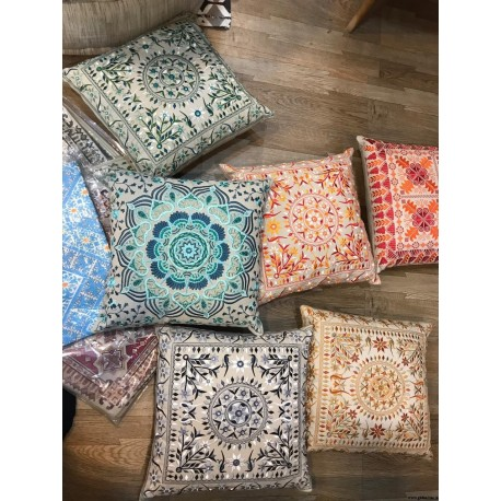 Traditional Design Embroidery Cushion Cover
